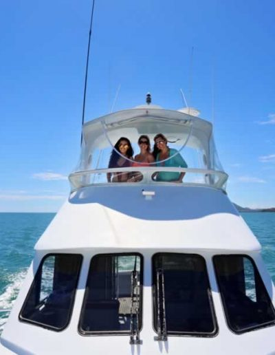 yacht hire cairns
